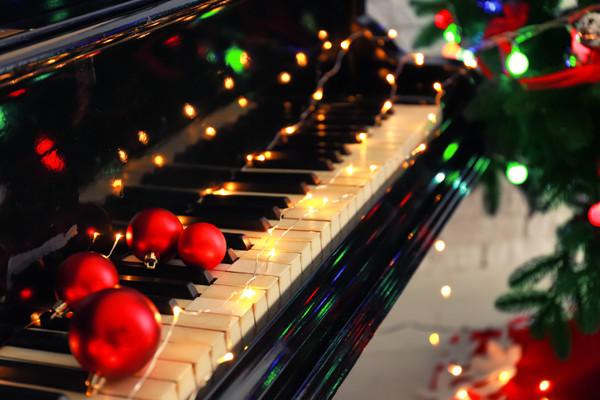 Музика для зимових свят